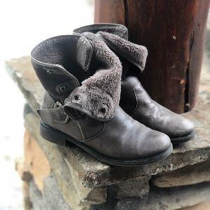 BareTraps Button Leather Slouch Boots Booties 6.5